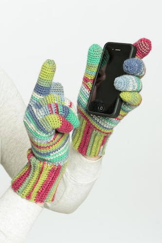 Candy Striped Texting Gloves Crochet Pattern by Simplicity