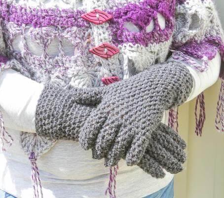 5. Crochet Gloves Pattern by Re Ve Design Co