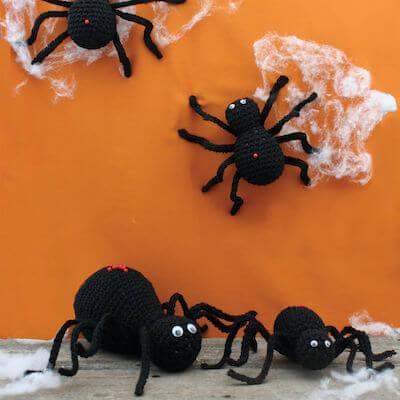 Halloween Spiders Amigurumi Pattern by Yarnspirations