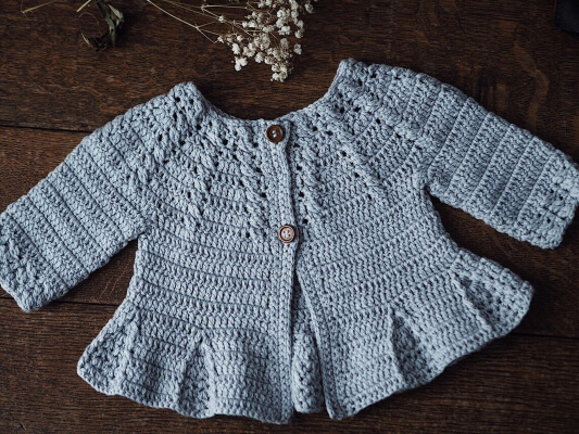 Cable Crochet Pleated Cardigan Pattern by Monpetitviolon