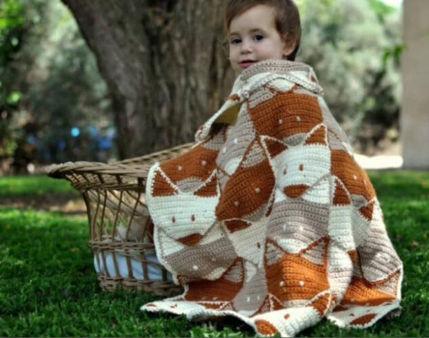 Fox Crochet Baby Blanket Pattern by MyCrochetStories