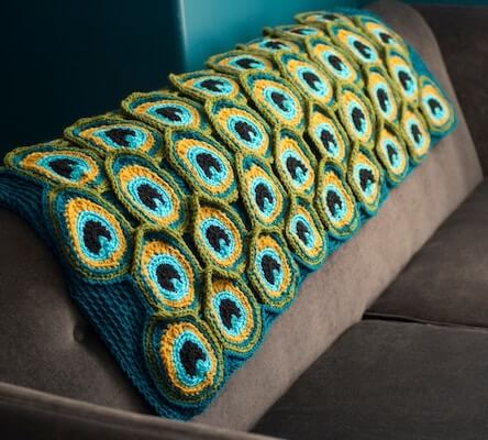 Peacock Crochet Blanket Pattern by Kraftling