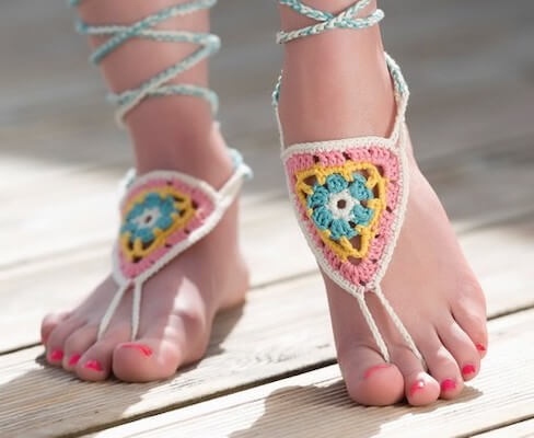 Free Barefoot Sandals Crochet Pattern by Gathered