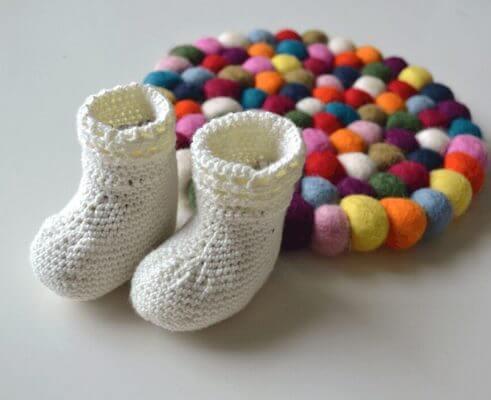 Happy Feet Crochet Baby Socks Free Pattern by Knitting With Chopsticks