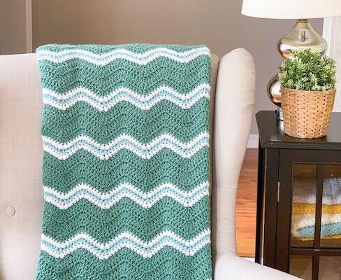 Ripple Baby Blanket Crochet Pattern by Daisy Cottage Designs