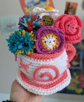 Teacup Planter Crochet Amigurumi Pattern by Outlaw Heart Creations
