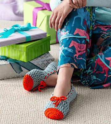 Crochet Ballet Slippers Pattern by Moogly