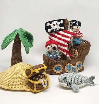 Pirate Set Crochet Pattern by Amigurumisnl